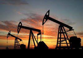 什麼是化石燃料黃他們的形成 經過落嚟以下五個條件:1高溫 2高壓 3細菌的作用 4缺氧狀態和 5長時間, 死去的動物屍體會轉化為petroleum石油和天然氣natural gas, 死去的植物屍體會轉化為會cOAL. 這些物質到時碳氫化合物hydrocarbon是一種十分有用的有機化合物和燃料 煤的作用主要是用來燃燒產生電力. 天然氣主要的用途是煮食或加熱燃料. 石油的用途主要是交通工具的燃料, 在使用石油前必須經過fractional distillation分餾, 提取不同的fraction作不同的用途.